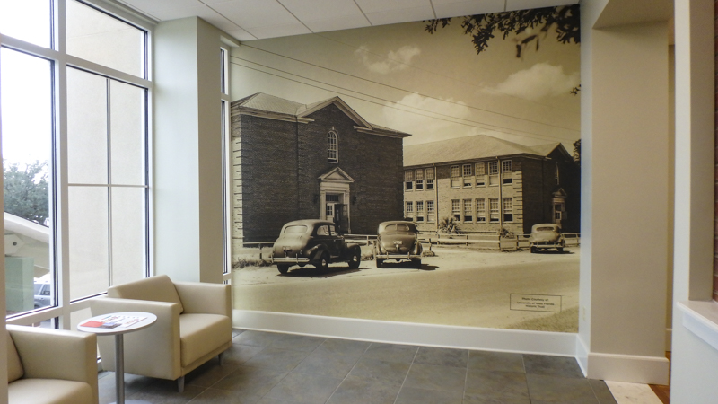 Photo wall wrap at Community Health of Northwest Florida - Signgeek Environmental Graphics