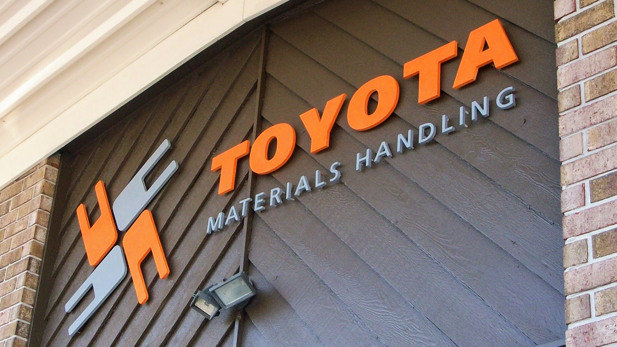 Exterior Dimensional Sign Letters and Logo